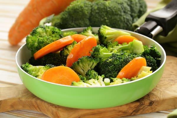 Brokkoli und Karotten